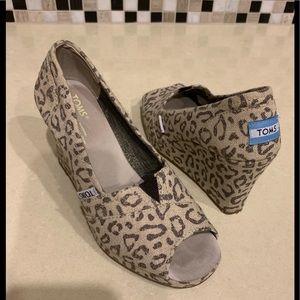 Women's Toms Peep Toe Shoes size 6